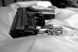 black-and-white-gun-1409524-m.jpg